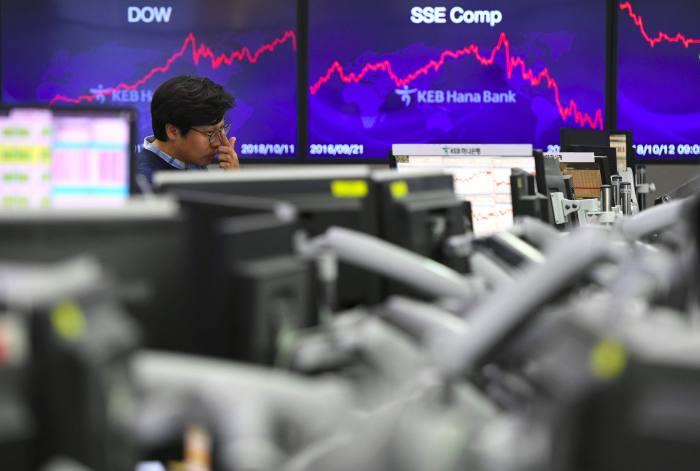 US stock markets bounce back