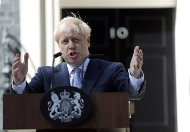 PM urged to show leadership in fight against scams