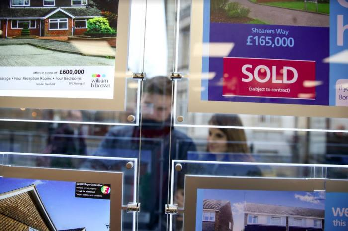 Property sales up 6.1% in 'summer buying spree'