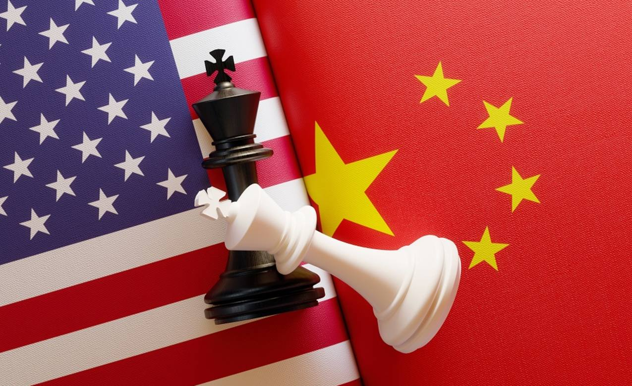 US and China flags with chess pieces