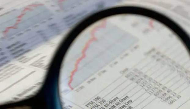 Investors flock to corporate bonds