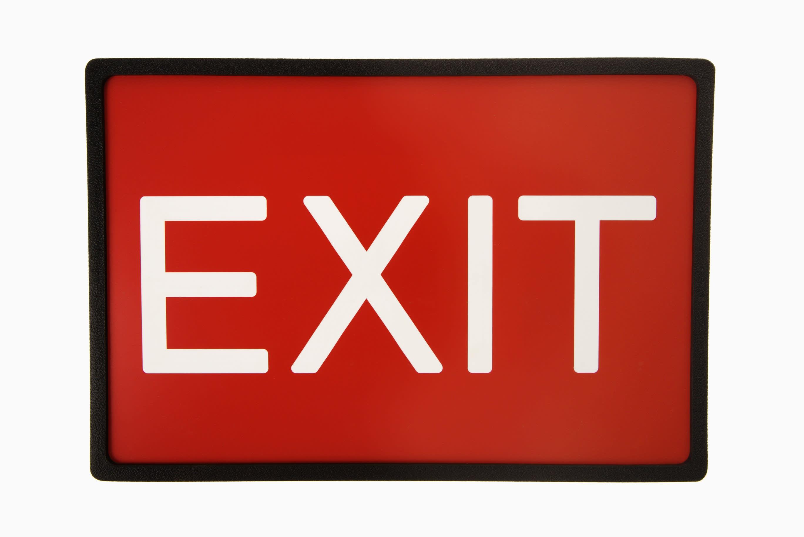 Sanlam advice chief exits
