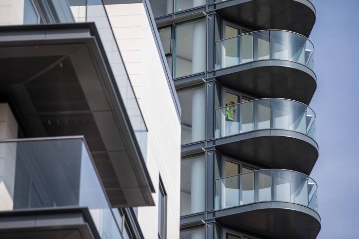 Average price for flats falls year-on-year