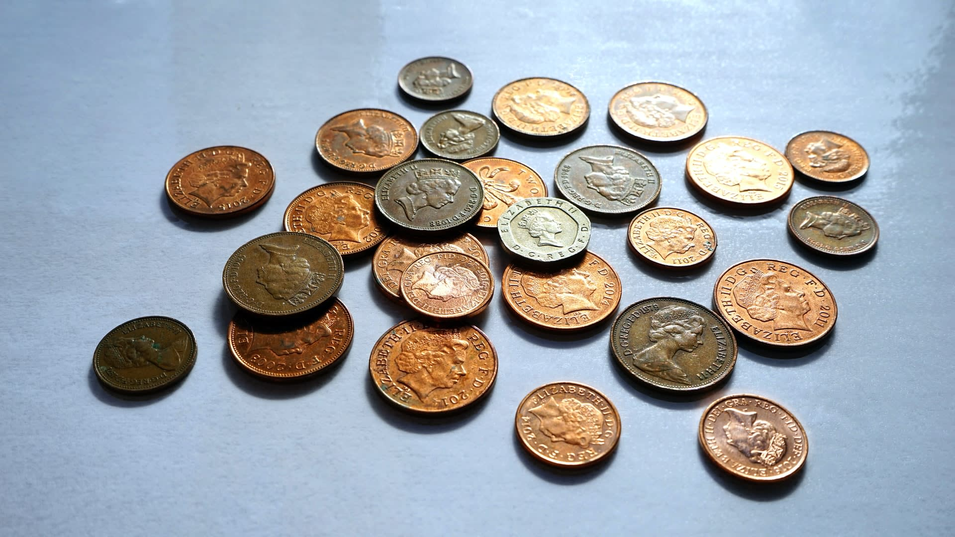 Halifax £10k fraud victim gets £1 back