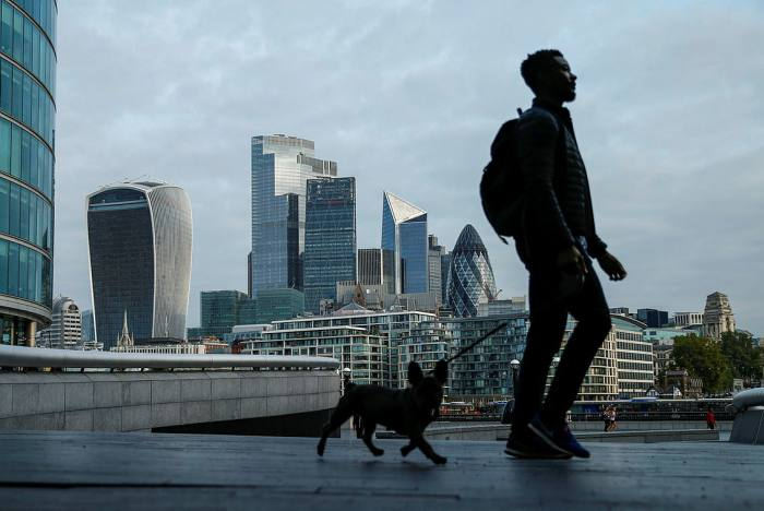 Record number of 'dog' funds as value managers suffer