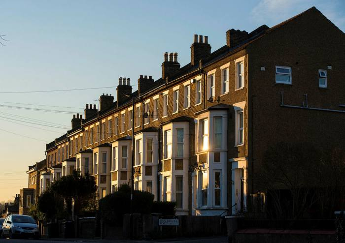 Buy to let market shrinks 1% per year