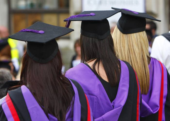 Universities staff starts voting on strike over pensions