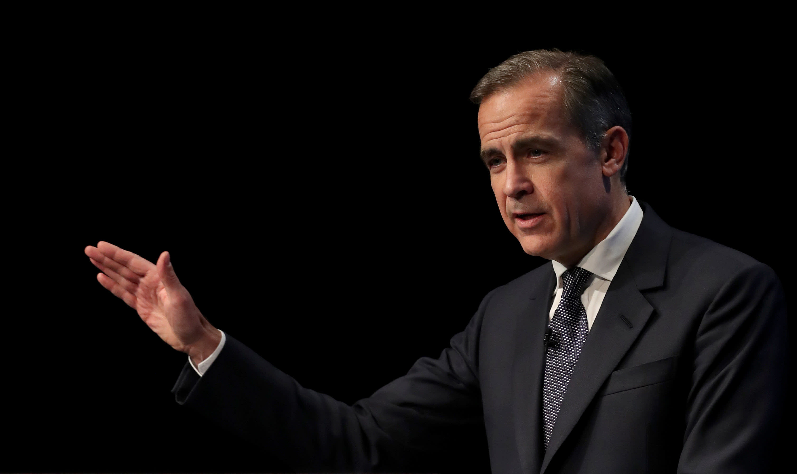 Carney warns MPs of economic problems