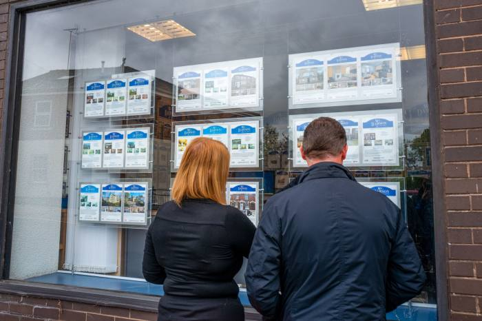 Buyers urged to house hunt now to save on stamp duty