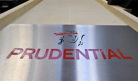 Prudential holds hands up over bad service