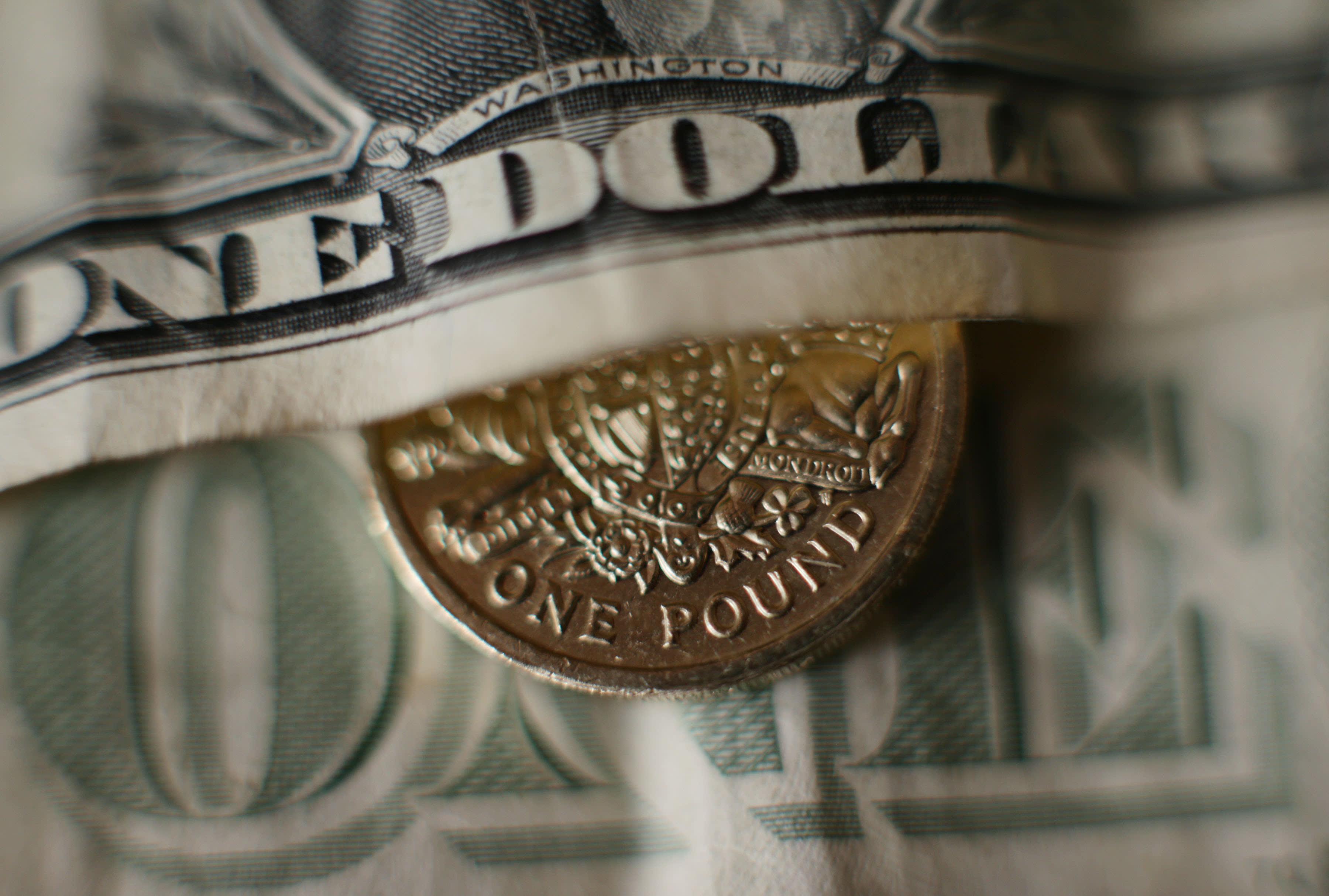 Pound slides to 34-year low despite govt action