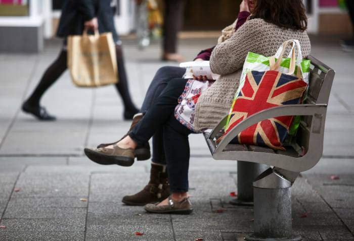 UK economy stagnates in early 2020