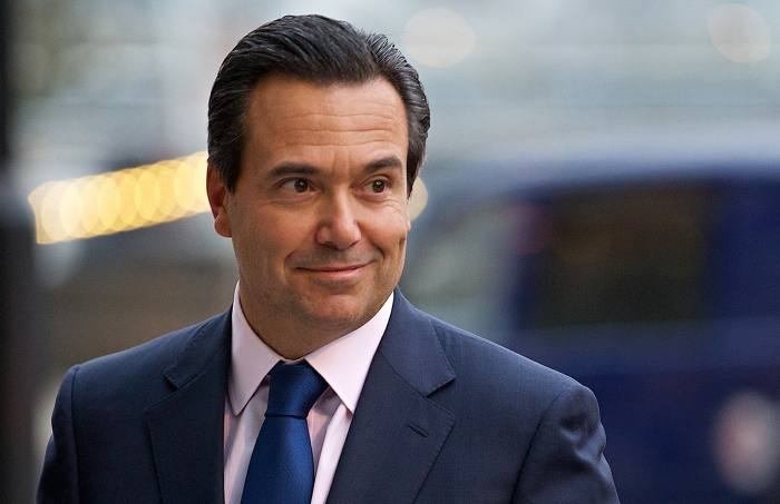 Lloyds defends chief exec pension perks