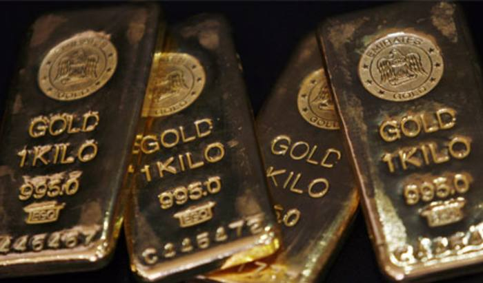 Investors turning to gold in a crisis