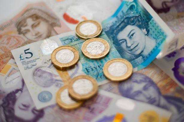 Gap between two- and five-year fixed rates at seven-year low
