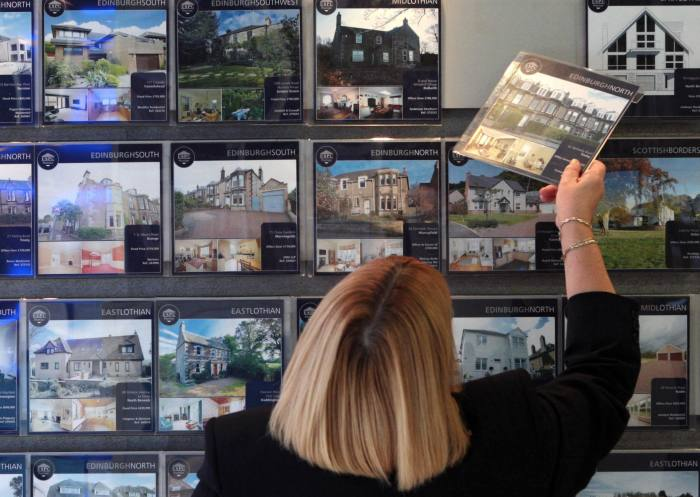 London house price growth amid market fears