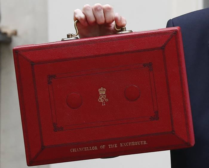 Budget delayed as PM pushes for election