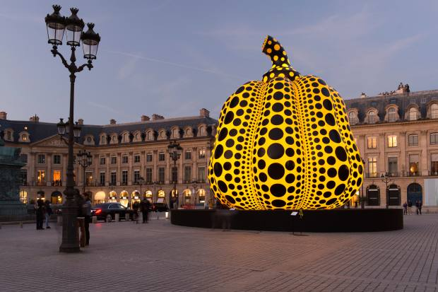 The 10m-high inflatable pumpkin by Kusama that recently appeared in Place Vendôme, Paris