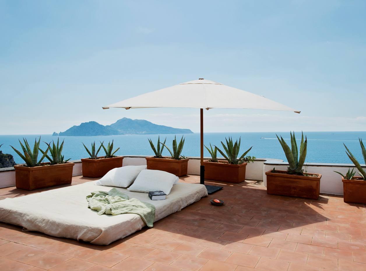 Villa Nimmo's terrace overlooking the sea near Sorrento