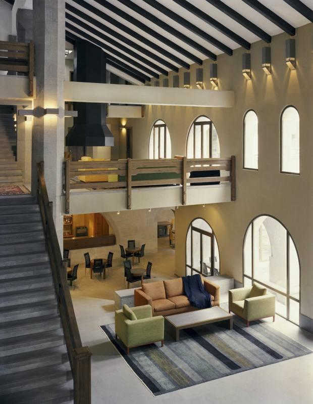 The lobby of the Avan Dzoraget hotel