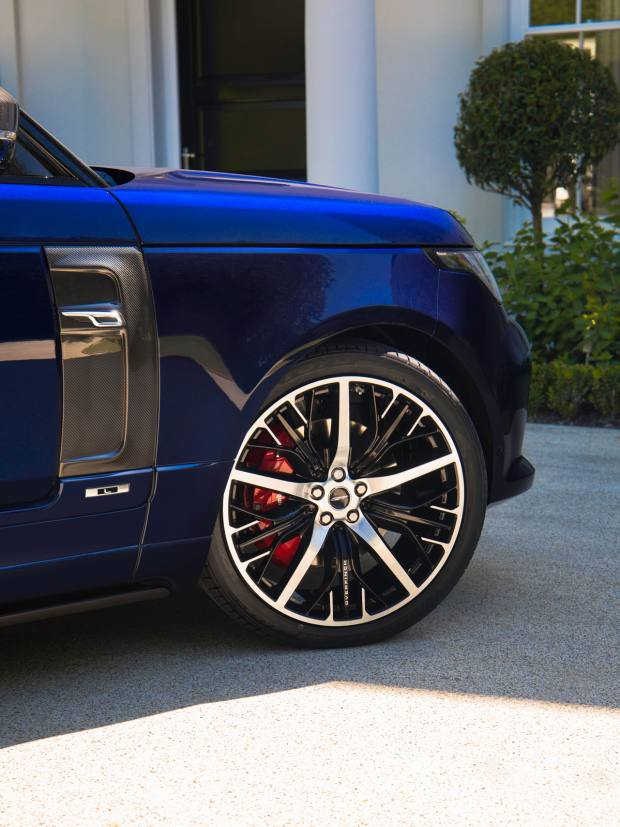 Standard alloy wheel options are replaced with Overfinch's own lightweight designs in 22in or 23in diameters
