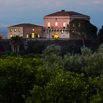 Rocca delle Tre Contrade is perched atop its own panoramic hill between Mount Etna and the Ionian Sea