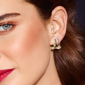 Robinson Pelham combines its custom and ready-to-wear offerings with its Build Your Own earring-design service