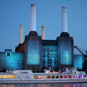 The Silver Sturgeon passes Battersea Power Station