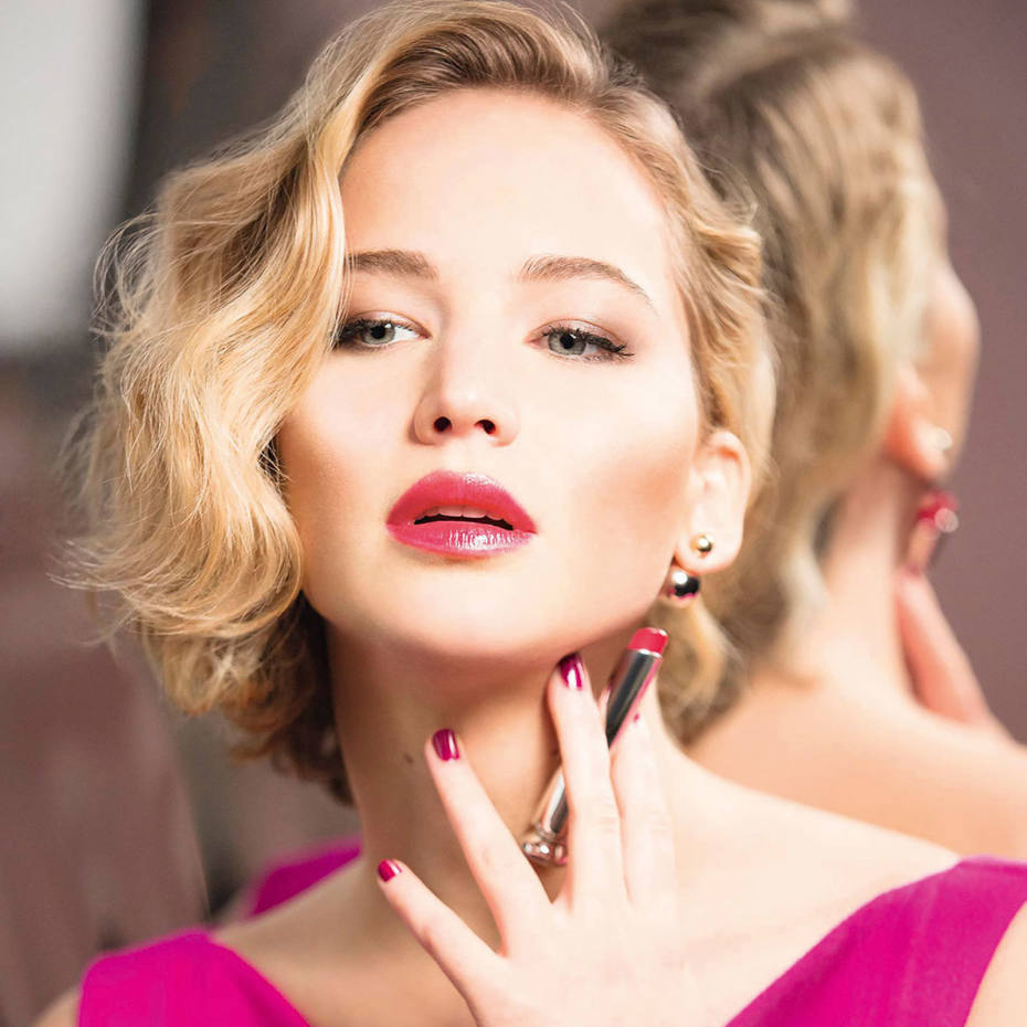 Jennifer Lawrence wearing Dior Addict lipstick in Be Dior, £26.50