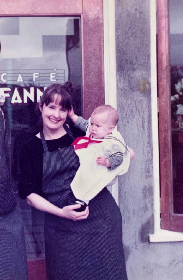 Alice Waters and Fanny at Café Fanny inBerkeley, California, in 1983