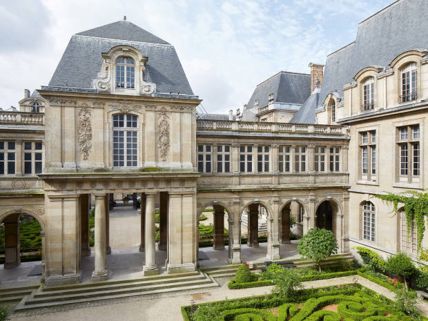 The Musée Carnavalet, which is housed in twoMarais mansions