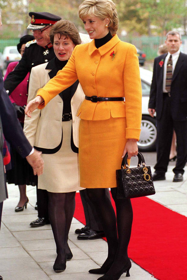 1995: Bernadette Chirac gives Princess Diana a Dior bag, later named the Lady Dior in her honour