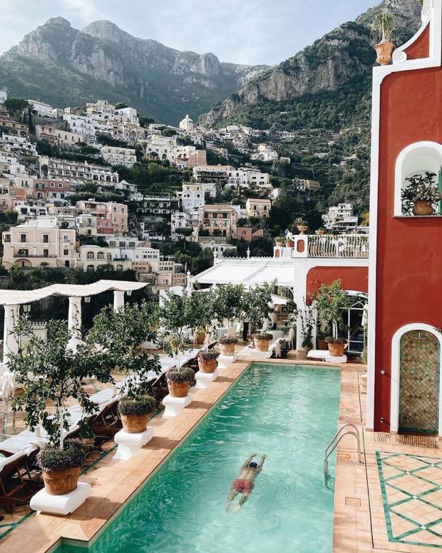 Le Sirenuse is including his and hers spa treatments, along with a private guided walking tour of historic Positano, in its package