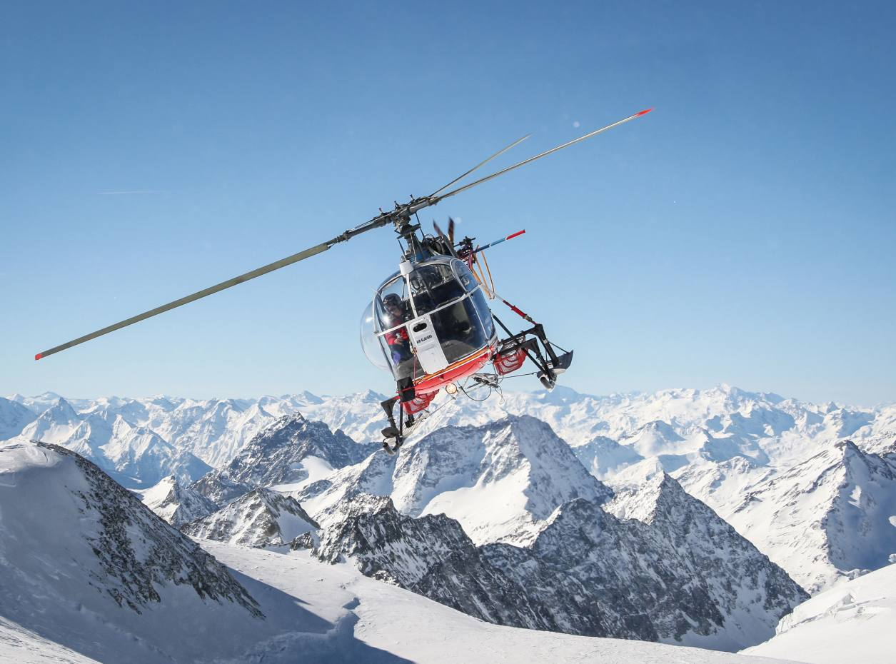 Guests can learn to fly a Robinson R22 helicopter – which made a cameo in GoldenEye