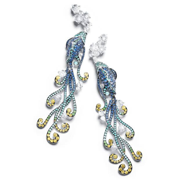 Tesori del Mare earrings that transform into a brooch, price on request