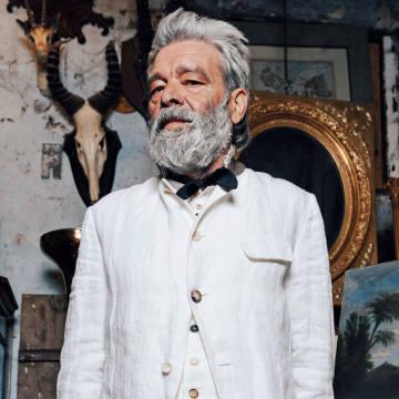Archivio JM Ribot Italian linen blazer, €1,200, matching gilet, €680, and trousers, €756