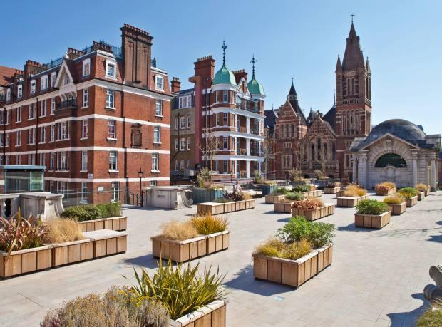 Grosvenor's Brown Hart Gardens