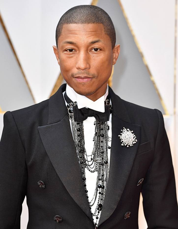 e3fbf477e9183b Pharrell Williams at the Oscars, wearing a Chanel white gold, diamond and  pearl Pluie
