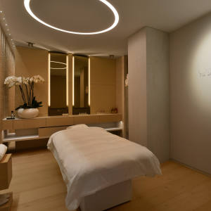 A treatment room at the Résidence de la Pinède Guerlain spa