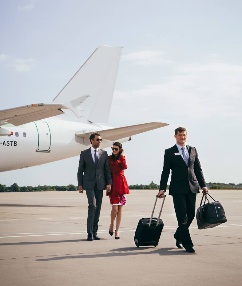 Signature Flight Support >> Commercial Flights With Private Jet Perks How To Spend It