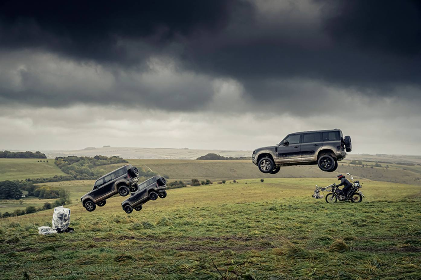 The new Defender in action during filming forupcoming Bond film,No Time to Die