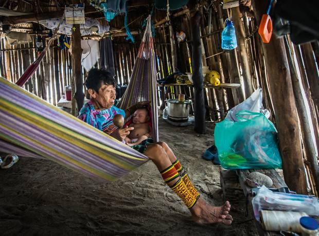 A Kuna grandmother and child in Walsaladup, San Blas, Panama