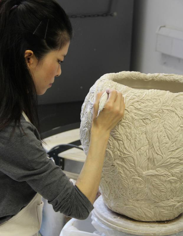 Hitomi Hosono working in her London studio