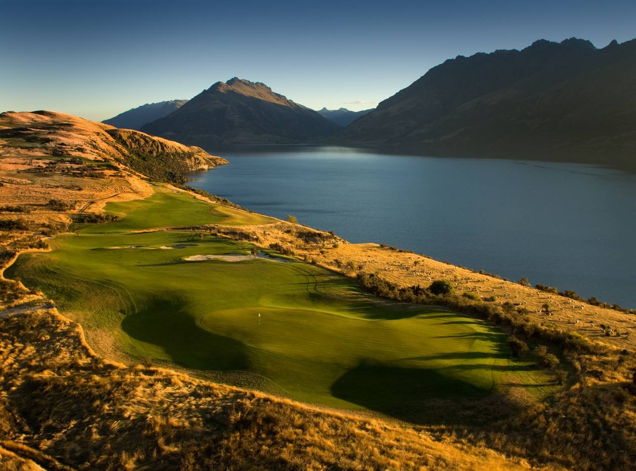 The eighth hole at Jack's Point, Queenstown