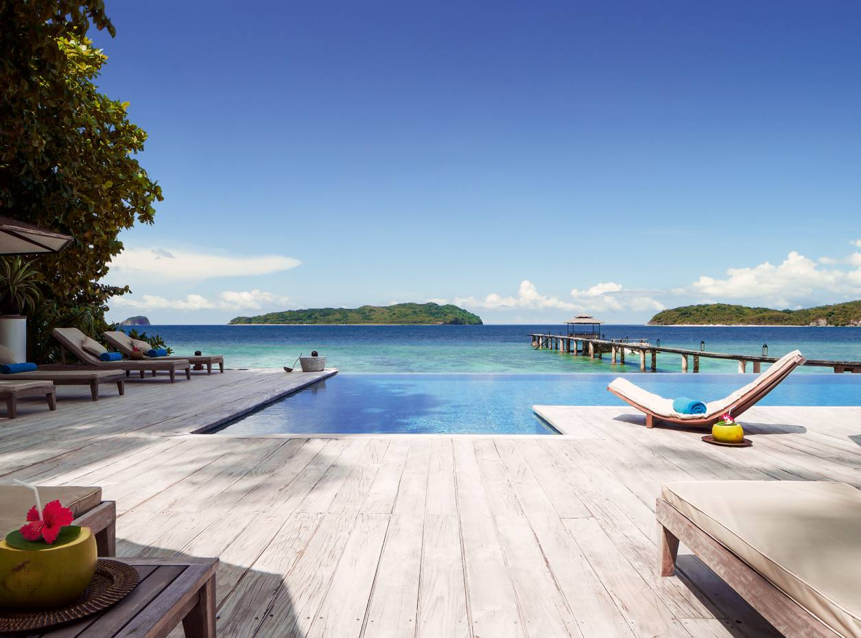 The infinity pool at Ariara Island