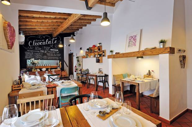 Mercearia Gadanha, a cosy restaurant in the charming town of Estremoz
