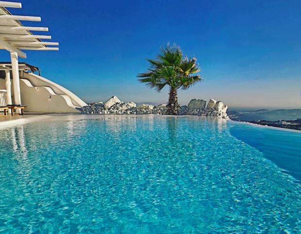Helios Retreats' infinity pool overlooking the Aegean