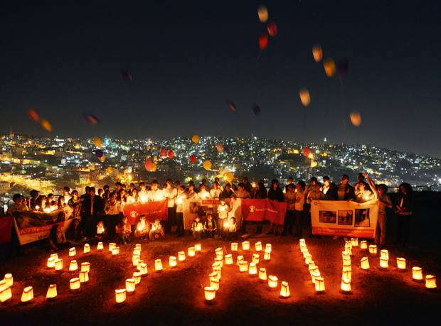 A candelit vigil held by Save the Children in Jordan, 2013
