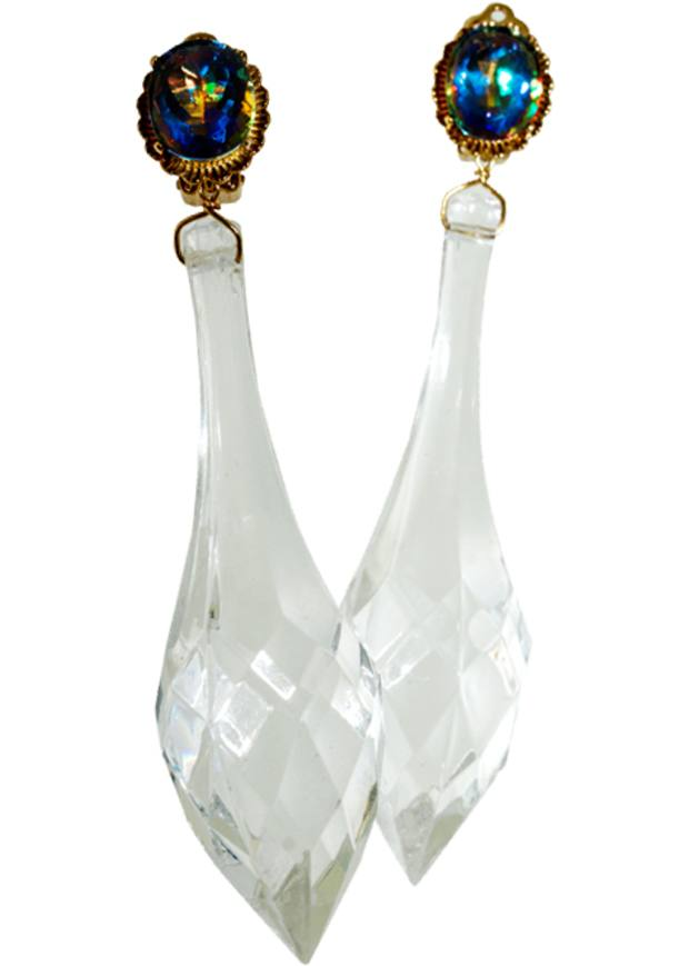 Crystal-like resin drop earrings, €315