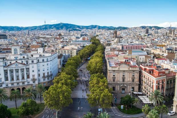 The bustling pedestrianised La Rambla